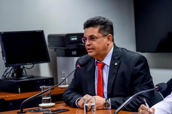 Telefonia: deputado quer informações sobre falhas em Cruzeiro do Sul