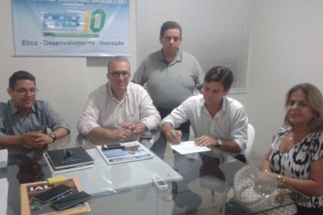 marcelo-beltrao-prb-abona-filiacao-silvania-barbosa-maceio-foto2-cedida-15-03-16