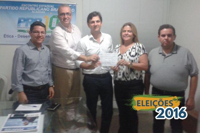 Vereadora Silvania Barbosa se filia ao PRB em Maceió