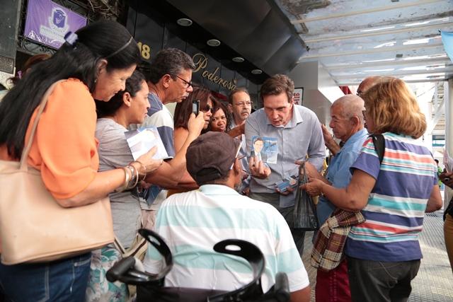 marcelo-crivella-central-nilopolis-prb-rj-foto2-ascom-campanha-25-08-14