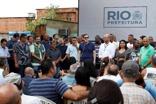 Crivella anuncia construção de clínica da família em comunidade em Santa Cruz