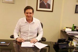 Crivella anuncia primeira parcela do 13º salário do funcionalismo para 23 de novembro