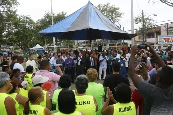 Crivella acompanha ações do Cuidar da Cidade em Guadalupe