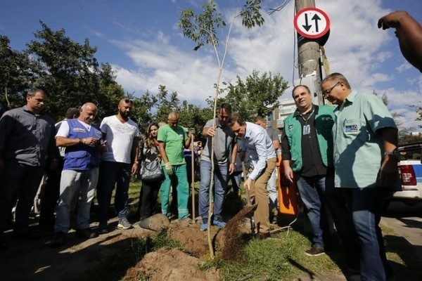 """Crivella leva ao Recreio mais de 730 ações do """"Cuidar da Cidade"""""""