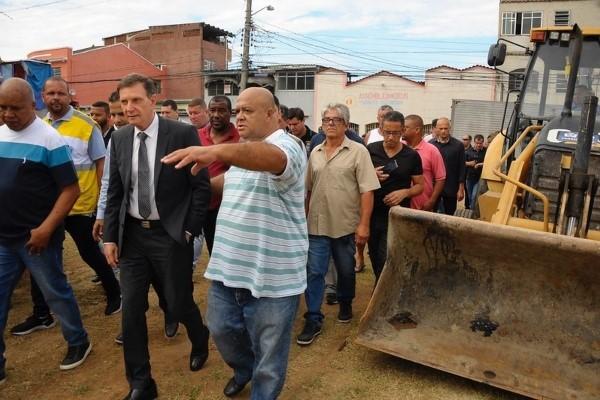 Crivella inicia ações do Cuidar da Cidade em Campo Grande