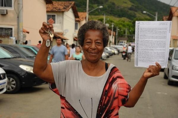 Decreto agiliza licenciamento de habitação de interesse social no RJ