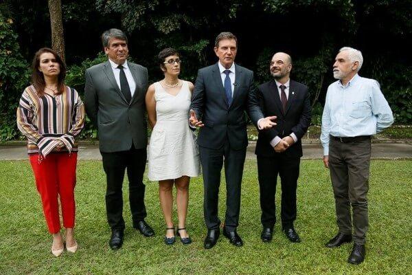 Crivella faz parceria com UFRJ para criar novo canecão