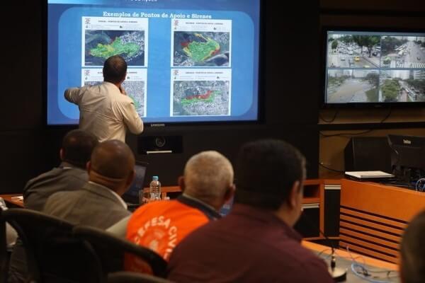 Plano Verão: Crivella anuncia novos estágios operacionais de alertas