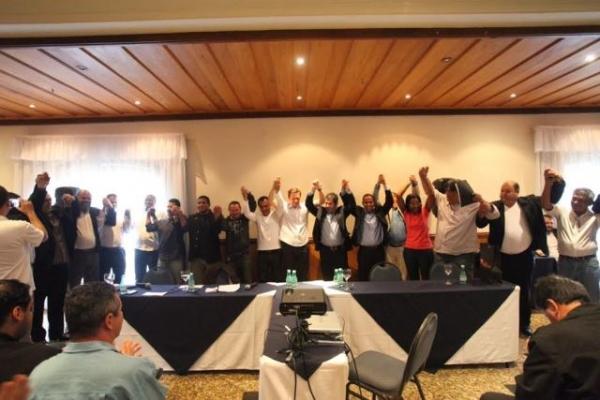 Na Serra, Crivella debate déficit habitacional, saúde e segurança com centenas de lideranças