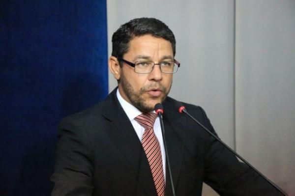 Marcelo Gouveia questiona reajuste de combustíveis em Maceió