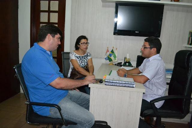 marcelo-gouveia-prb-debate-plano-de-educacao-com-pais-de-alunos-foto-ascom-24-08-15