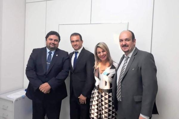 Prefeito Marcelo Olegário comemora chegada de base do Samu em Divisa Alegre (MG)