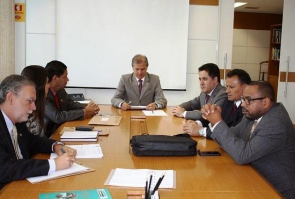 Em audiência com ministro, Squassoni defende autonomia da margem esquerda do Porto de Santos