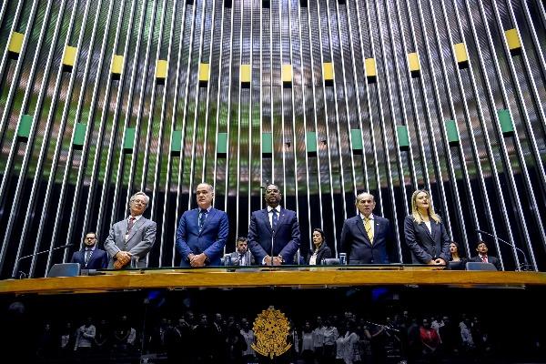 Sessão Solene: deputado Márcio Marinho homenageia os 20 anos da TV Câmara