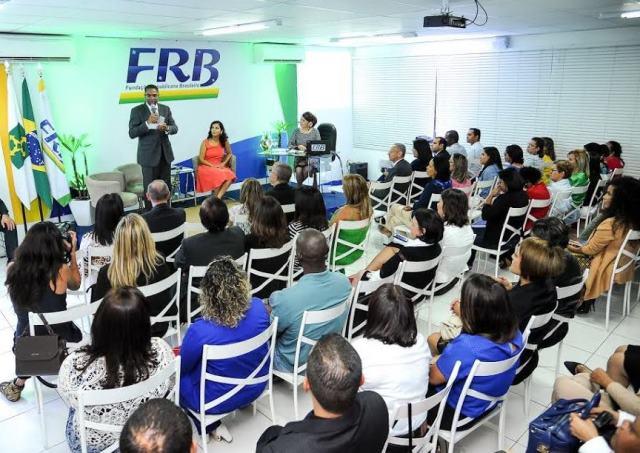 """Bancada do PRB apoia curso """"Lideranças Femininas"""" da Fundação Republicana Brasileira"""
