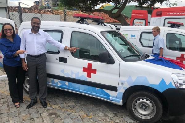Marinho entrega ambulância e equipamentos para o Conselho Tutelar em Madre de Deus (BA)