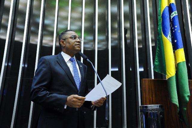 Marinho reúne parlamentares e embaixadores para homenagear os 40 anos de relação entre Brasil e Angola