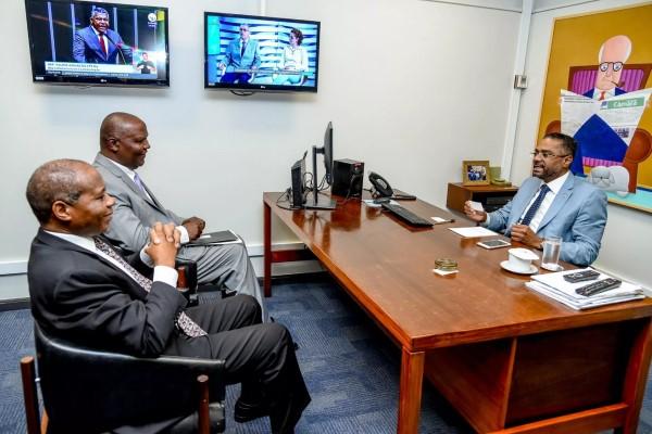 Márcio Marinho se reúne com embaixador de Moçambique