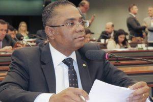 Márcio Marinho aprova crédito especial para Itaguaçu da Bahia