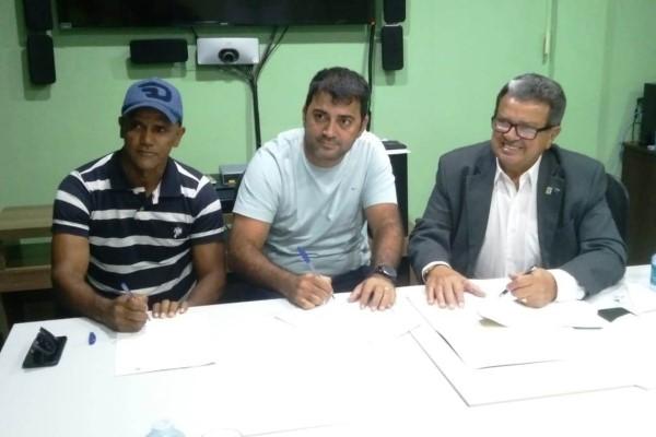 Márcio Serrão firma parceria com Senar para oferta de Curso Técnico em Agronegócio