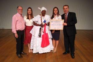 Marcos Abdala entrega medalha Zumbi dos Palmares no Dia da Consciência Negra