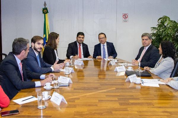 MDIC e Caixa firmam parceria para fortalecer artesanato brasileiro