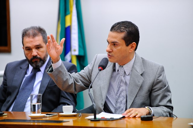 PRB mantém palavra e vota em Eduardo Cunha para presidir Câmara