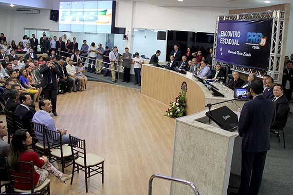 Posse da nova executiva do PRB cearense é Lei Áurea, diz Pereira