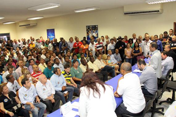 Pereira, Crivella e Lopes convocam militância a buscar votos no Rio