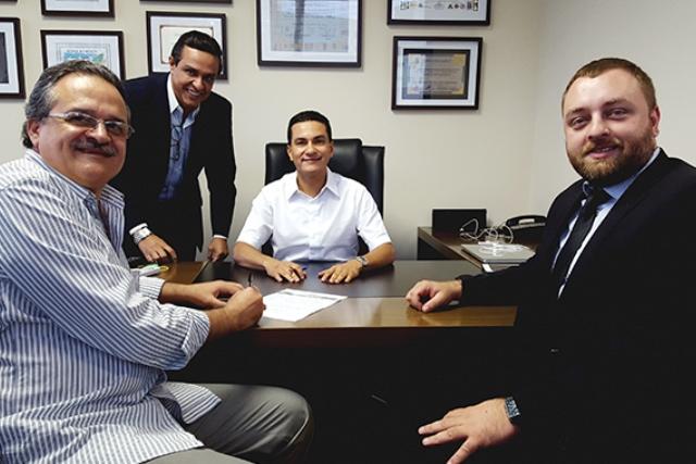 Marcos Pereira recebe ex-deputado no PRB e confirma chapa pura em Santo André