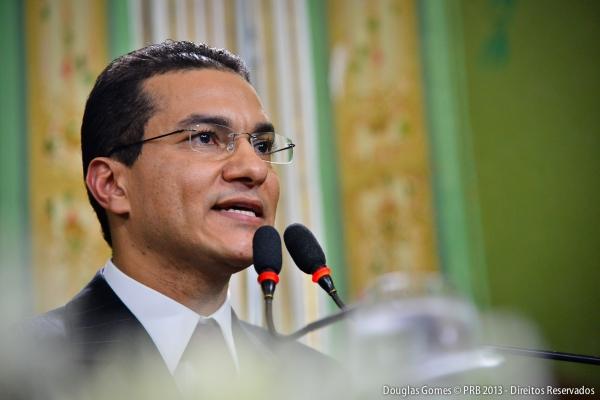 Marcos Pereira recebe hoje título de cidadão honorário de Curitiba