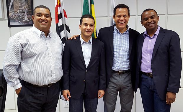 Pereira prestigia posse de Pessoa como secretário de Esporte de Mauá (SP) e pede excelência na gestão