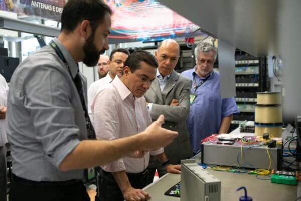Em Campinas, Marcos Pereira visita Centro de Pesquisa e fala sobre nova Lei de Informática
