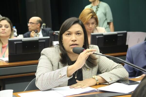 Coronavírus: Maria Rosas pede cuidados redobrados às pessoas com deficiência