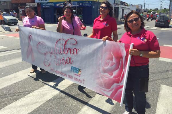 Coordenadora municipal do PRB Mulher promove blitz do Outubro Rosa em Fortaleza