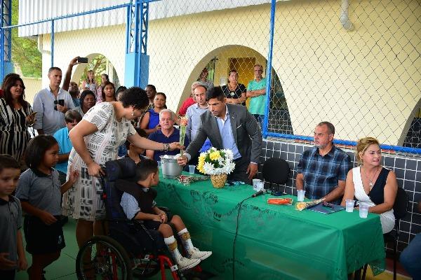 Mario esteves reinaugura Jardim de Infância Professor Murilo Braga em Barra do Piraí