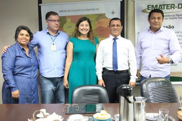 Martins Machado conhece projetos desenvolvidos pela Emater-DF