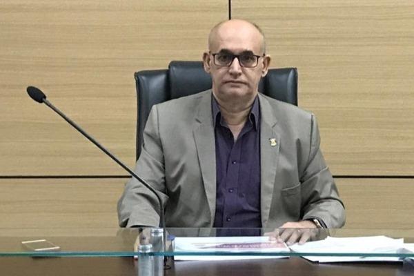 Mauro Teixeira garante três ambulâncias para Guarujá