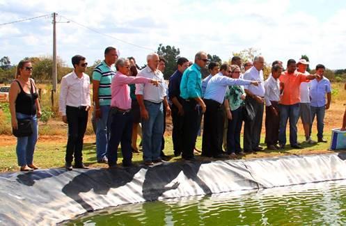ministro-da-pesca-eduardo-lopes-deputado-marcio-marinho-prb-frigorifico-do-peixe-fabrica-de-racao-04-06-14-2