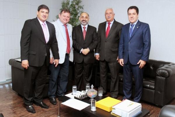 Squassoni promove encontro com ministro do Esporte para tratar de projetos esportivos em São Caetano do Sul