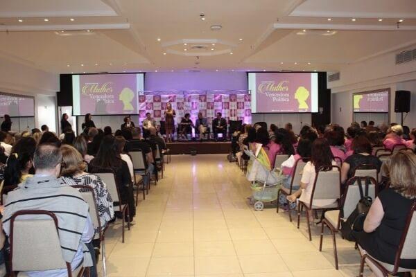 Seminário reúne centenas de republicanas em Porto Alegre