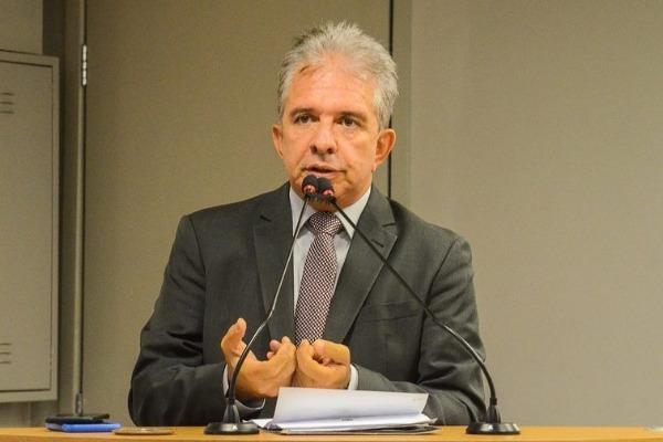 Nabor Wanderely pede centro de referência para tratamento de doenças cardiológicas