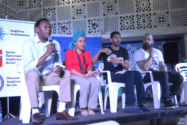 No Recife, Ossesio Silva participa de debate sobre o extermínio da juventude negra