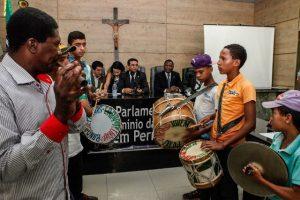 Ossesio Silva e Carlos Santos debatem políticas públicas para a juventude negra em Caruaru