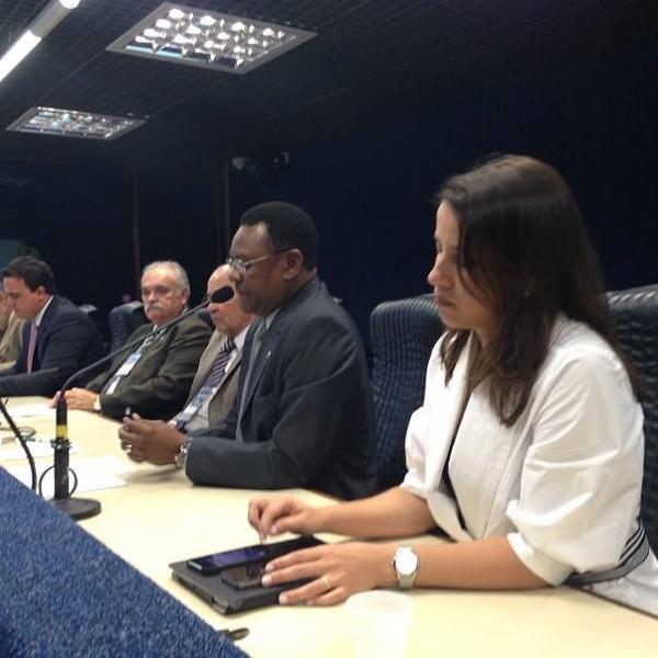 Ossesio Silva participa de encontro com blogueiros e radialistas