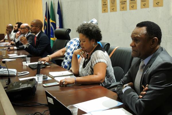 Ossesio Silva participa de debate sobre o racismo em Recife