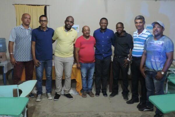 Ossesio Silva se reúne com lideranças do Cabo de Santo Agostinho
