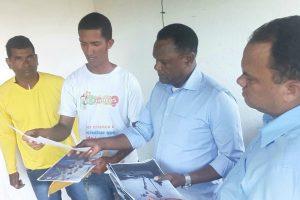 Ossesio Silva visita lideranças de Paulista