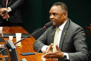 Ossesio quer incluir geriatria em programa do Ministério da Saúde