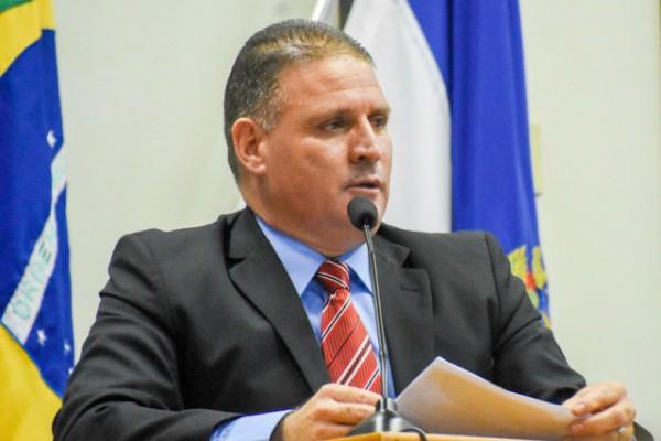 Otoniel Lima propõe criação do Programa de Apadrinhamento Afetivo de Idosos
